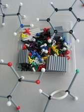ORBIT Molekülbaukasten Chemie: Basis–Set mit 160 Teilen und farbigem Booklet